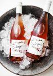 Bouteilles fraîches de vin rosé